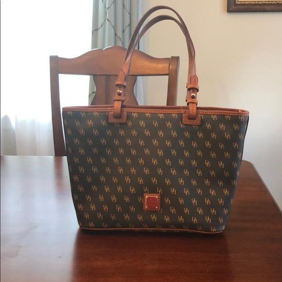 92b1648edd Dooney   Bourke Handbags - Dooney and Bourke Gretta Small Leisure Shopper